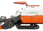 Sử dụng máy gặt đập Kubota tăng hiệu quả làm việc