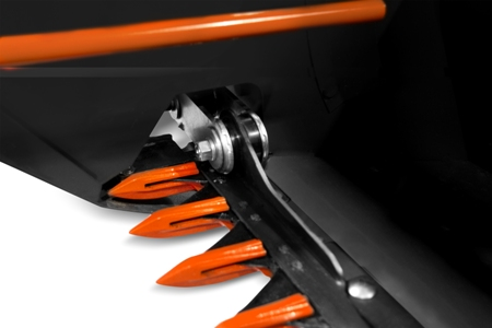 Tay truyền lưỡi cắt Máy gặt đập liên hợp Kubota DC70 Plus